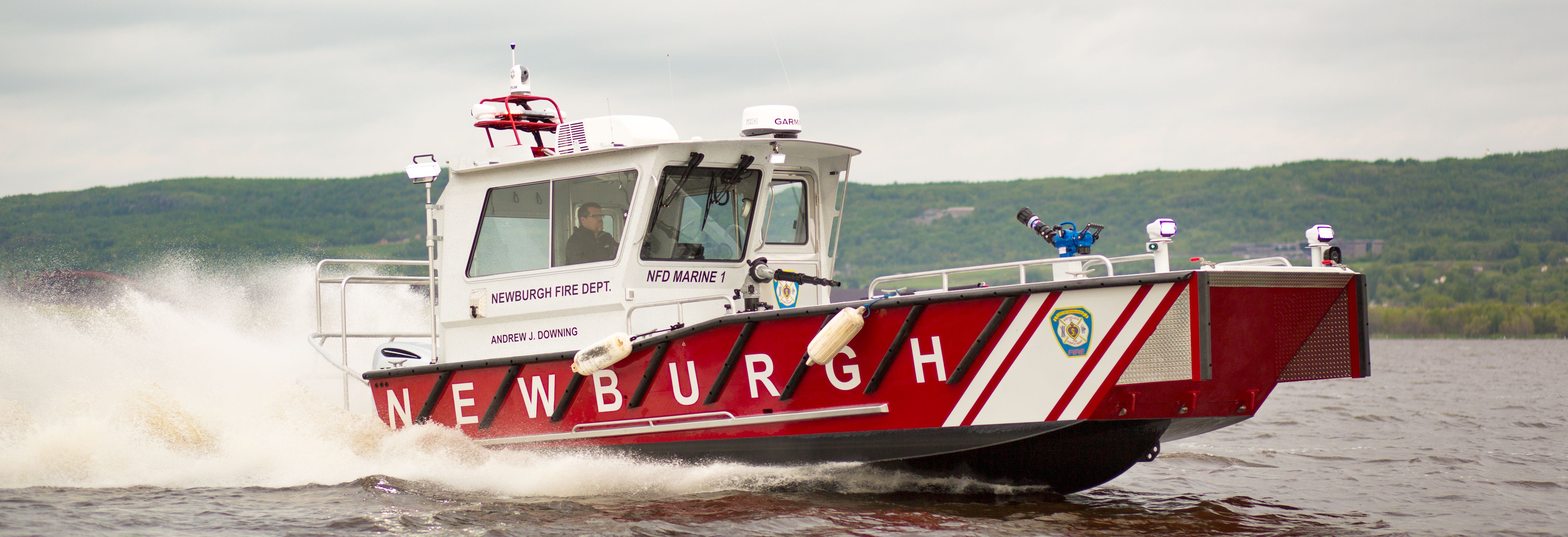 Honda Newburgh Fireboat Delivery & FIRE 2016 Expo - Lake Assault